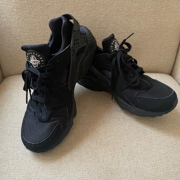 Nike Air Huarache / MENS 9 / black